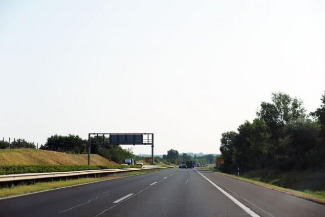 HUN-ROAD-01