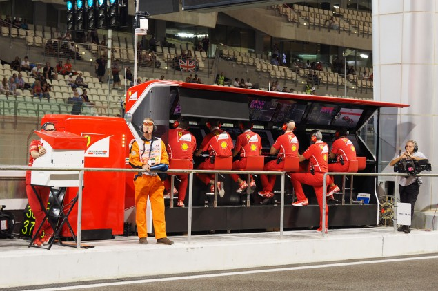 PITWALL-FER-01