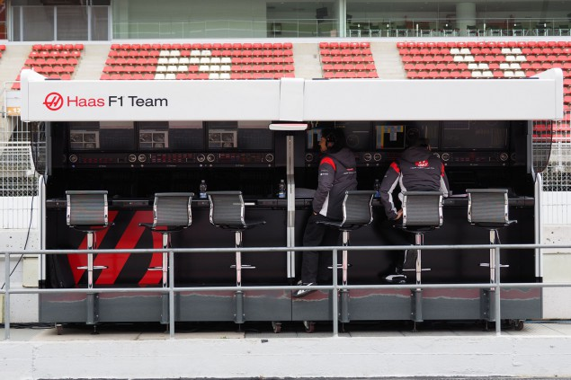 PITWALL-HAS-02